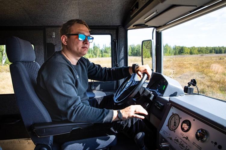 При прохождении препятствий мастерство водителя играет важную роль. Фото: Алексей Китаев