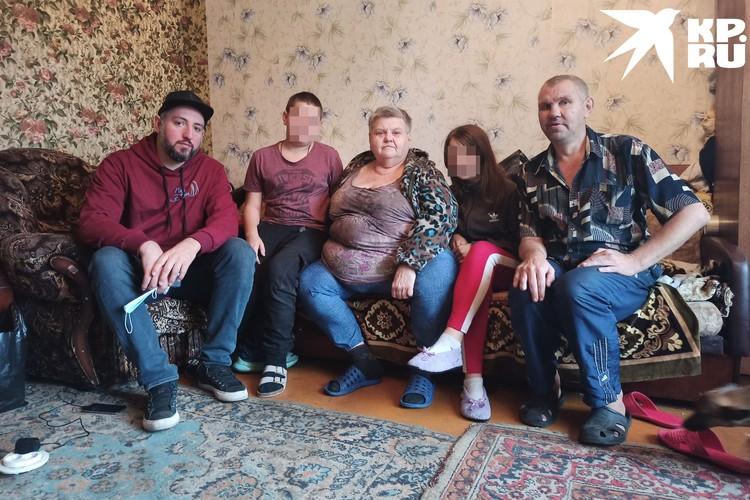 Теперь Валя с семьей собирается на Первый канал доказывать, что у них с Пашей была любовь.