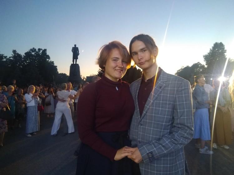 Студенты Иванова Юлия и Климов Алексей на таком балу впервые. Масштабность праздника они запомнят на всю жизнь