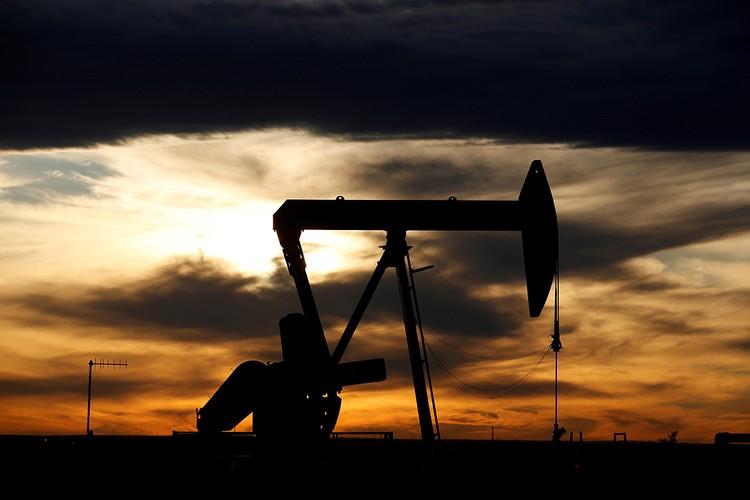 Сейчас за баррель «черного золота» на мировом сырьевом рынке дают $42. Но вскоре цена может опуститься ниже $40