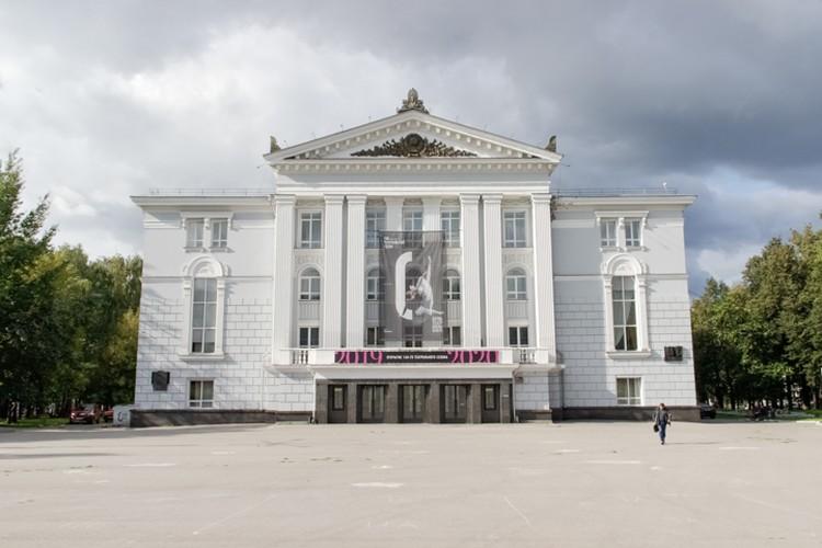 Оперный театр закрыли на две недели