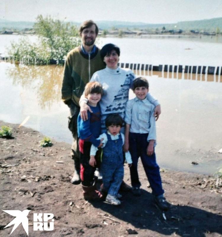 Семья Елена Мельниковой становилась больше. Фото: личный архив.