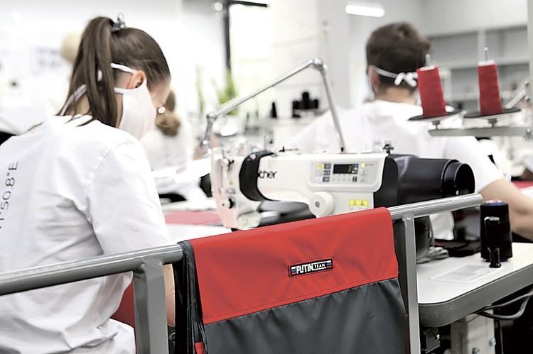 На фабрике SHISHKIN uniform atelier. Фото: SHISHKIN uniform atelier