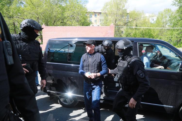 Сам Анатолий Быков летом находился под арестом