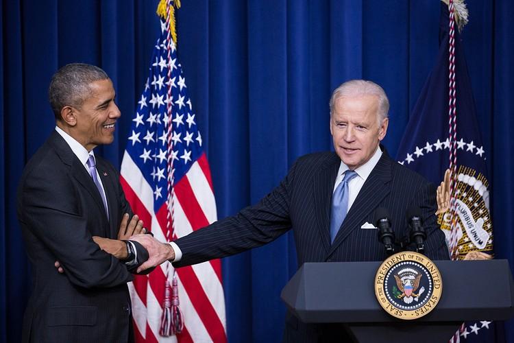 Байден и другие влиятельные демократы надавили на новичка Обаму