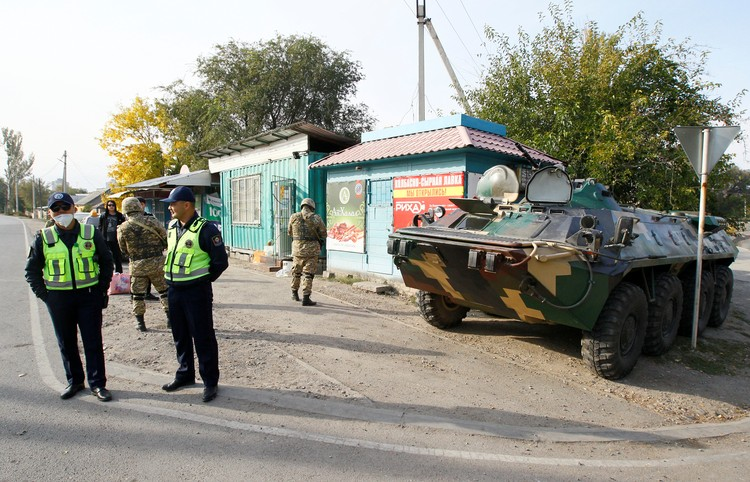 Военные посты на улицах Бишкека