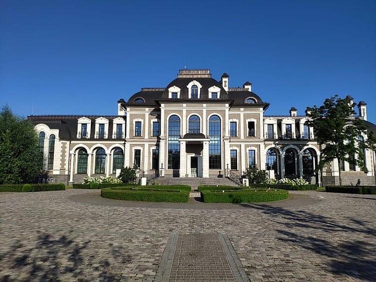 «Подмосковный «Версаль» появился у проректора МГУ Гришина, когда он был министром в Самарской области»