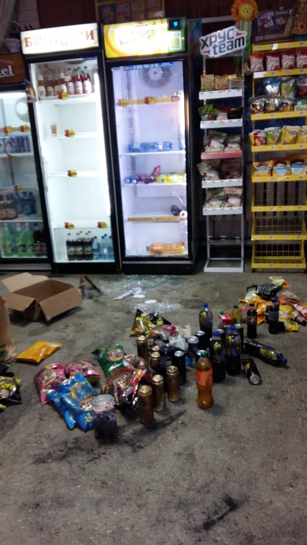 Продуктов и напитков после кражи практически не осталось. Фото: предоставлено Аленой Якимовой.