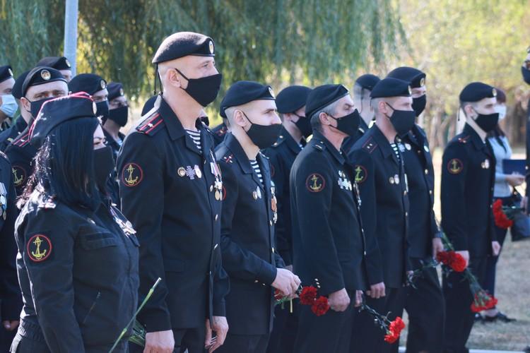 На открытии памятника Мотороле. Фото: НД ДНР
