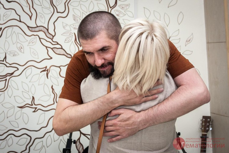 Любовь сразу узнала Сергея - буквально почувствовала, что именно ему спасла жизнь Фото: НМИЦ гематологии