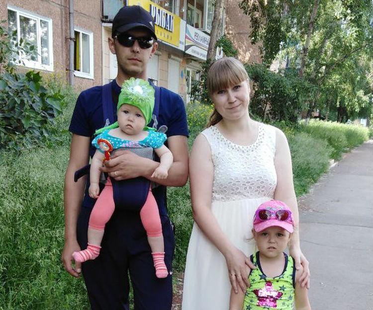 Семья с двумя детьми осталась без квартиры, за которую платить еще 17 лет. Фото: личный архив