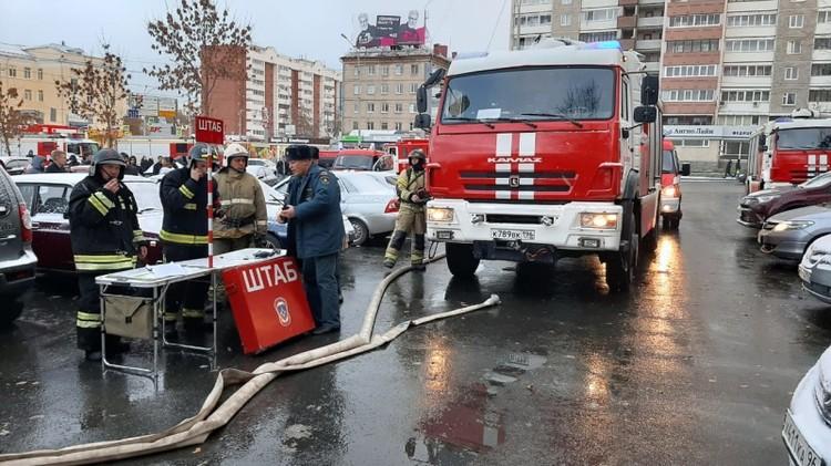На месте тушения развернули штаб. Фото: ГУ МЧС по Свердловской области