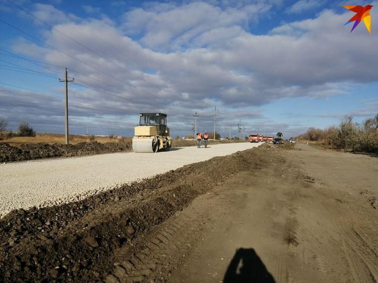 В Саратовском районе идет капитальный ремонт автоподъезда к поселку Расково