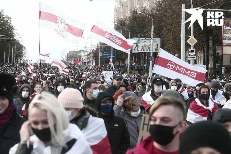 Во время шествия оппозиции в центре Минска 18 октября. Фото: Иван ИВАНОВ