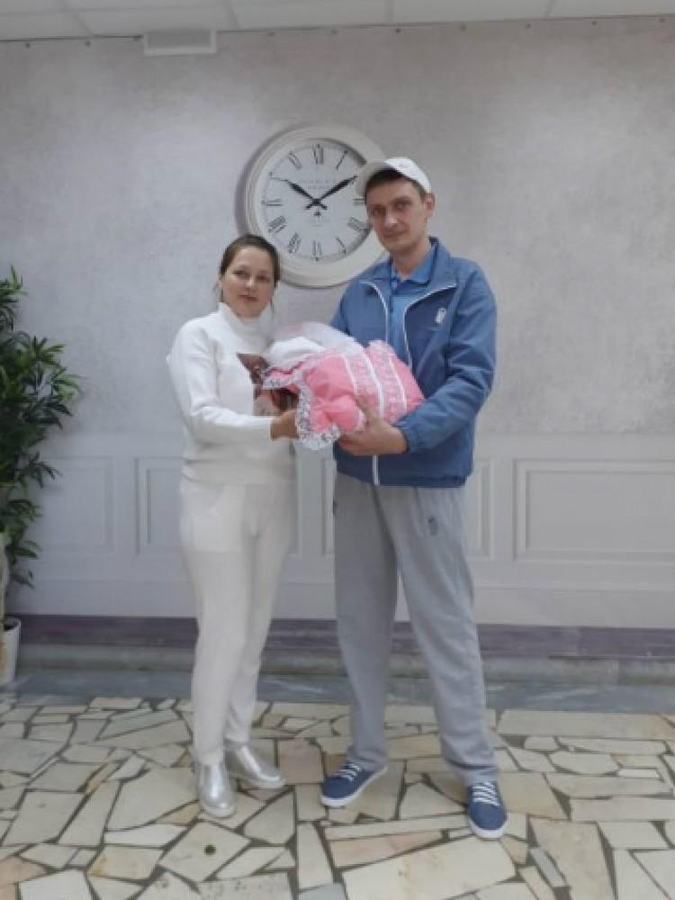 Племянник Пугачевой Влад и его жена Гузель недавно стали родителями. Дочку назвали Алла. Фото: Личный архив