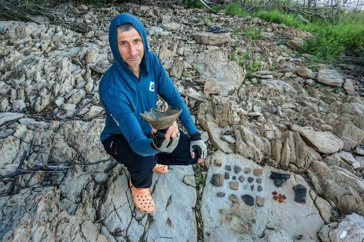 Возраст находок - время нижнеамурского неолита, примерно 4 тысячи лет до нашей эры