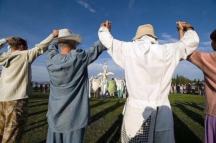 Последователи Виссариона намерены отстаивать свои права на землю Фото: Валерий БЕКЕШИН