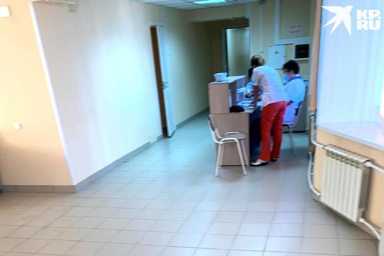 Вместе с добровольцами 16 дней в боксах живут и медсестры. Фото: предоставлено героем публикации.