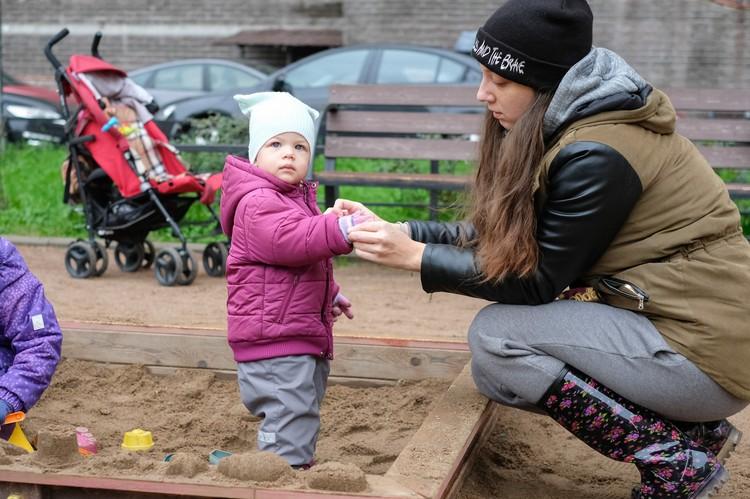 С 2016 года рождаемость в Петербурге падает