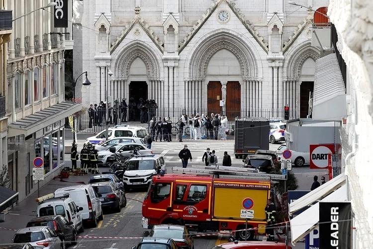 После страшный событий в Ницце власти приказали закрыть храмы в стране