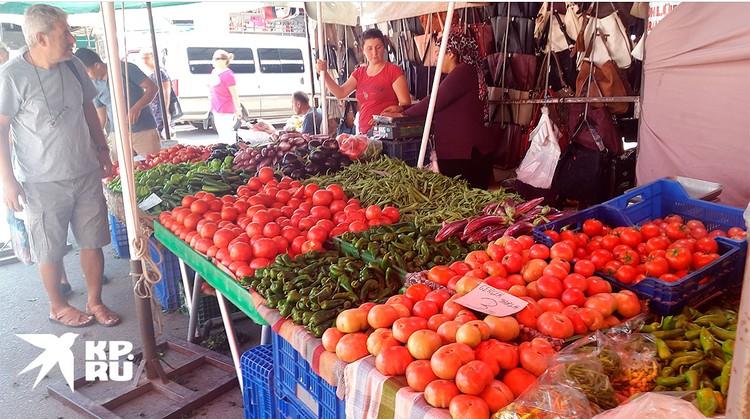Турецкие прилавки по-прежнему полны витаминов.