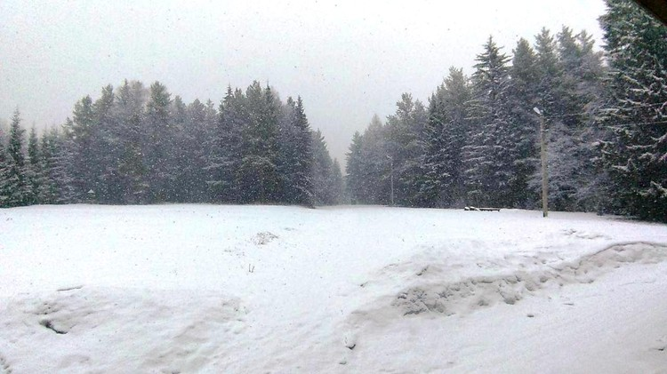 Вот такой выпал снег на Таганае, когда в других районах о зиме еще не думали. Фото: Таганай/vk.com