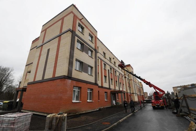 Строительство первого общежития подходит к концу. Фото пресс-службы губернатора Ленинградской области
