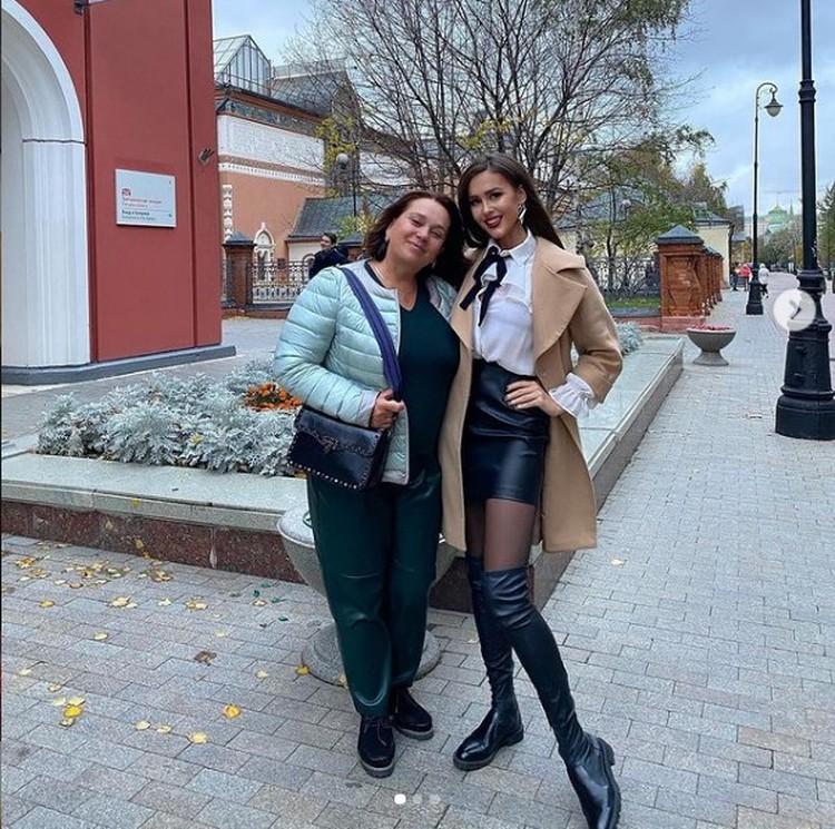 Анна Бузова с мамой Фото: instagram.com/annabuzova/