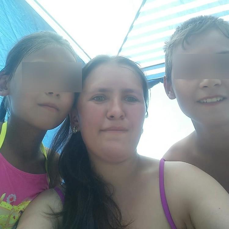Гульнара с детьми
