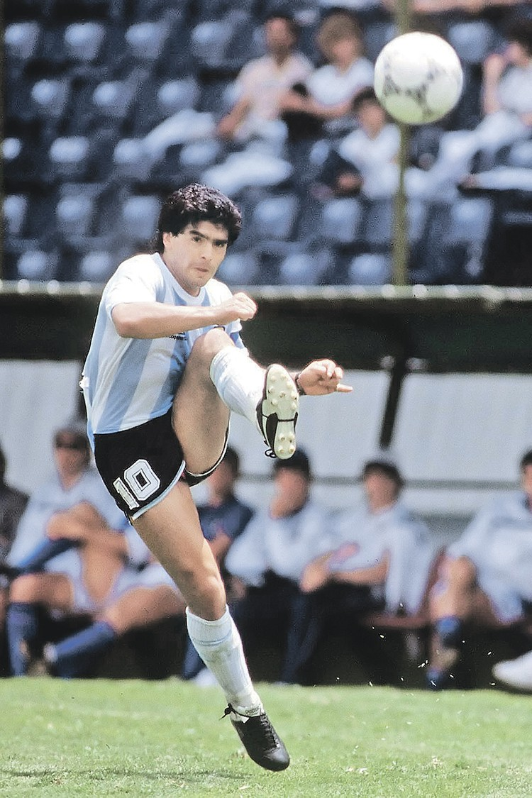 Кто видел, как играет Марадона, тот на всю жизнь полюбил футбол. Фото: Colorsport/Global Look Press