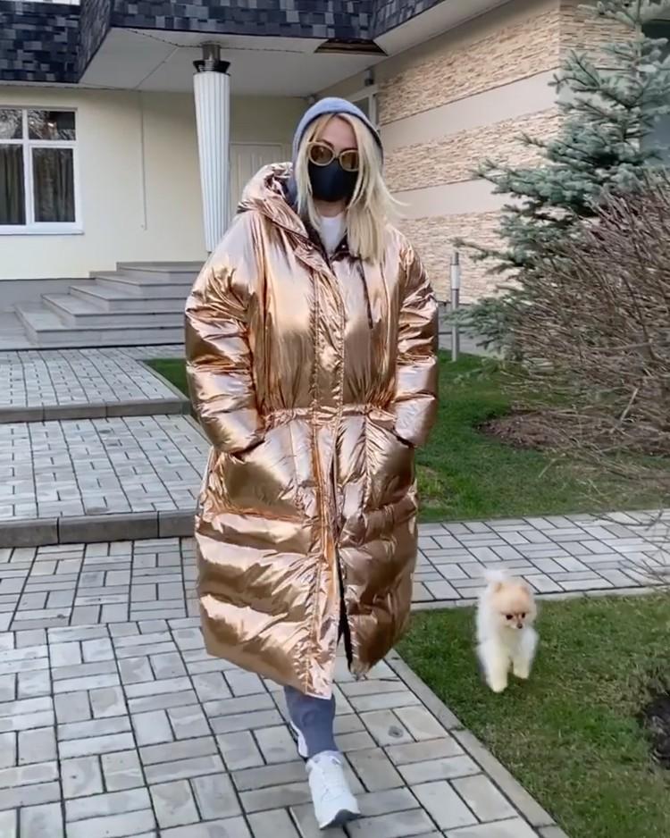 Пуховики «не со своего плеча», как Яны Рудковской, - тренд нынешней зимы.