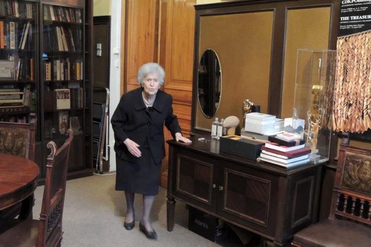 Несмотря на карантин, ограничения и почтенный возраст, Ирина Александровна вполне могла ходить по музеям и театрам.