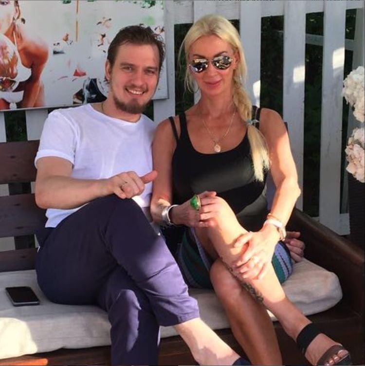 Мама Игоря Наталья очень похожа на его жену Леру Кудрявцеву. Фото: Инстаграм.