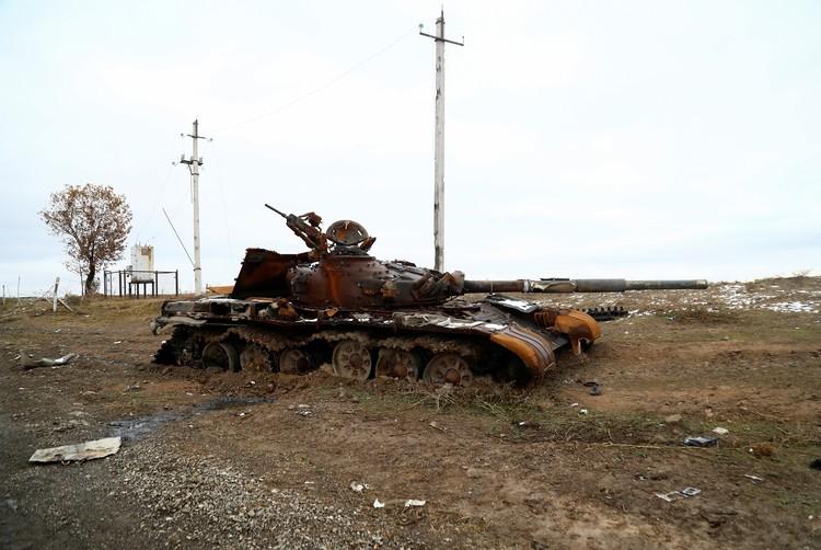 В Нагорном Карабахе обстановка остается взрывоопасной.