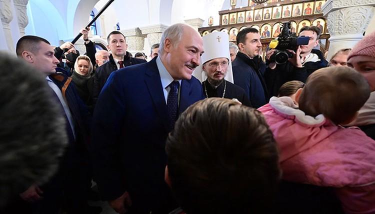 Лукашенко в храме рассказал о протестах, будущем и своей просьбе. Фото: пресс-служба президента
