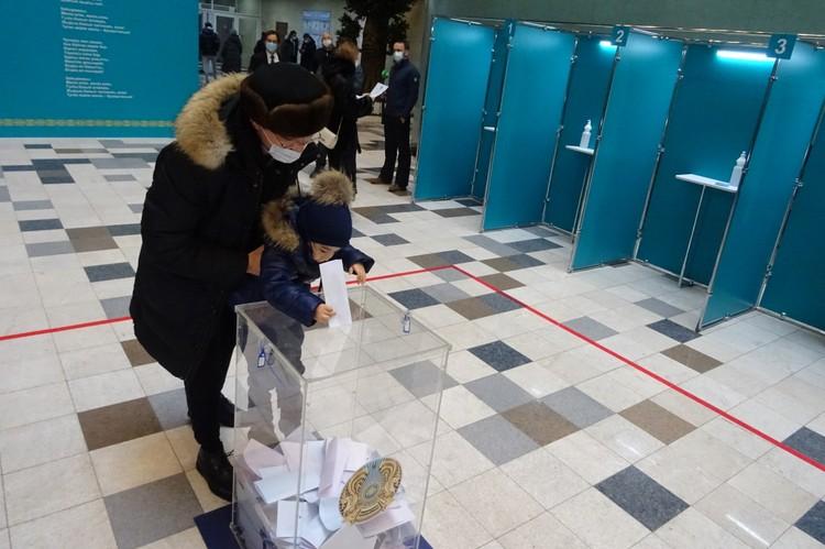 В партсписках появилась квота в 30% для женщин и молодежи. Фото: Сергей СЕМУШКИН