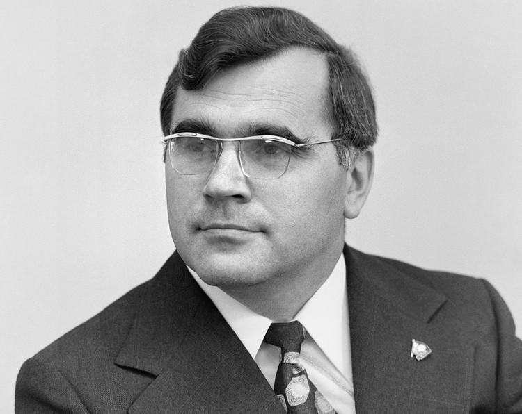 Первый секретарь ЦК ВЛКСМ Борис Николаевич Пастухов, 1977 г. Фото Валентина Черединцева /Фотохроника ТАСС/.