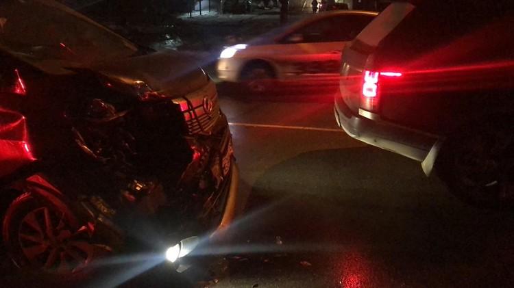 У микроавтобуса пострадала передняя часть кузова. Фото: пресс-служба отдела МВД России по Уссурийску