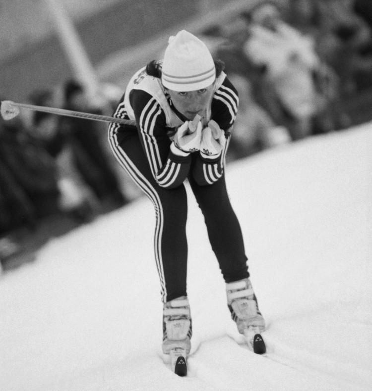 1 марта 1989 г. Чемпионат мира по лыжному спорту. Елена Вяльбе завоевала вторую золотую медаль - на 30-километровой дистанции. Фото: Николай Малышев/Фотохроника ТАСС