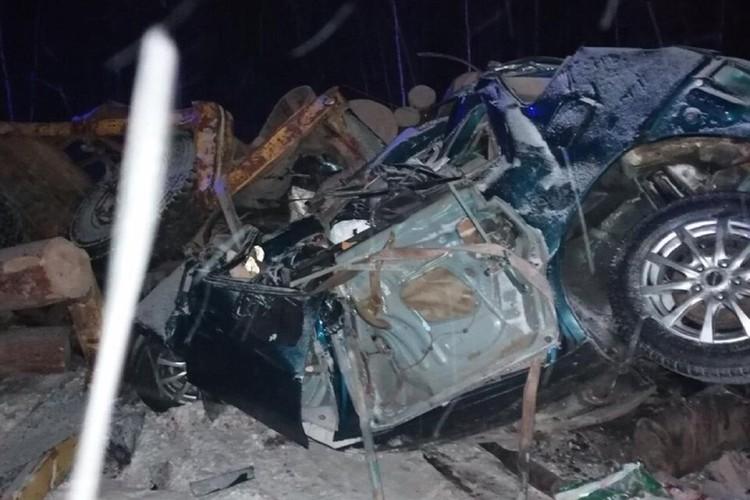 Фото с места ДТП с автобусом под Братском 17 февраля 2021: авария произошла ночью