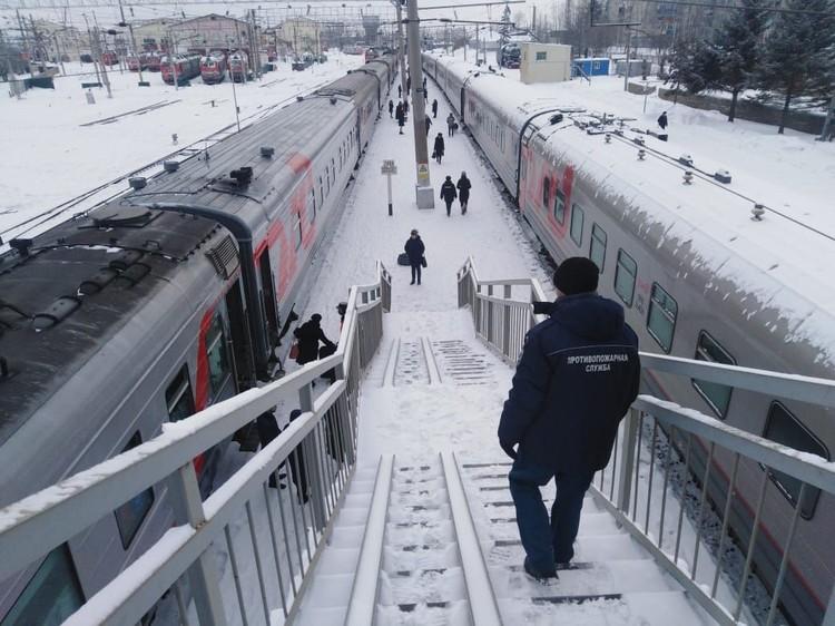 Пассажирам задержанных поездов выдали паек. Фото: Амурский центр ГЗ и ПБ