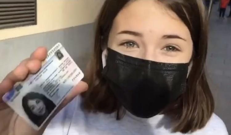 Вместе с Паниным в Европу переехала его 13-летняя дочь Нюся. На днях девочка стала резидентом Испании. Фото: Инстаграм.