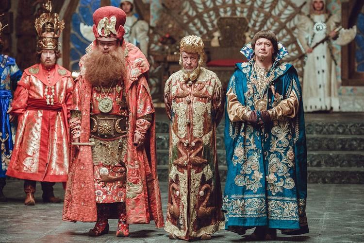 Воевода, Царь и Спальник