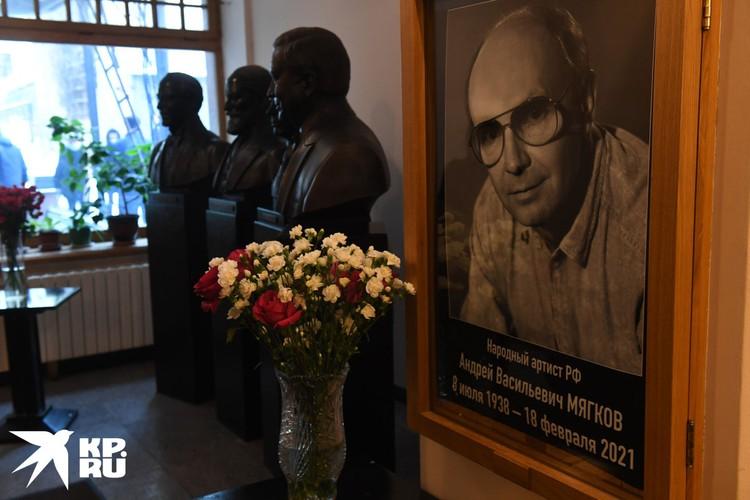 Мягков был большим театральным артистом, но всенародная любовь к нему пришла благодаря фильмам Эльдара Рязанова