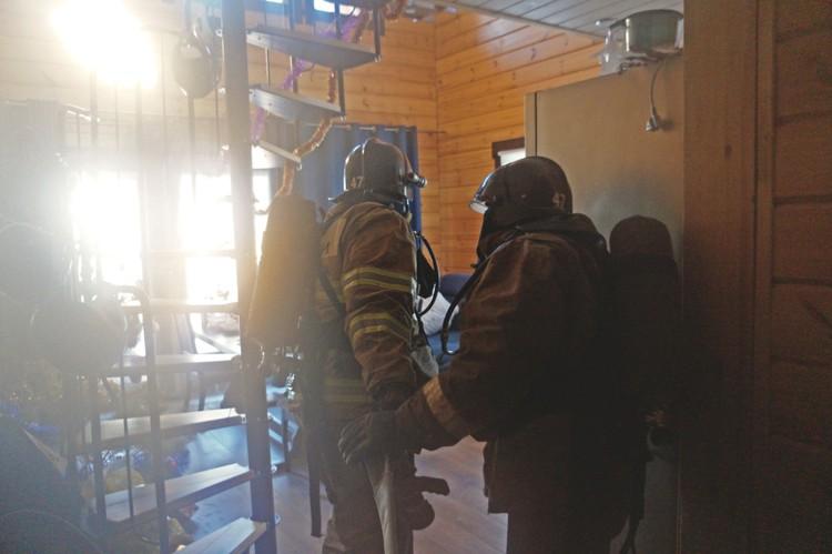 Для реалистичности пригнали дым-машину. Фото: ГУ МЧС по Челябинской области