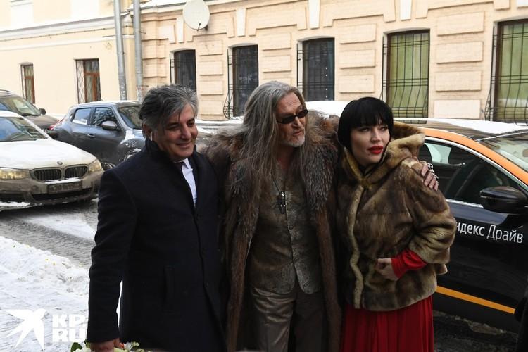 На свадьбе Анисиной и Джигурды было много московских адвокатов. Самым известным из них был Эльман Пашаев.
