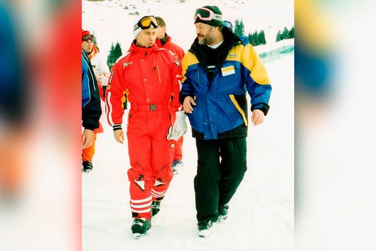 Владимир Путин на саммите СНГ в Казахстане в марте 2001-го года. Справа - корреспондент «КП» Александр Гамов.