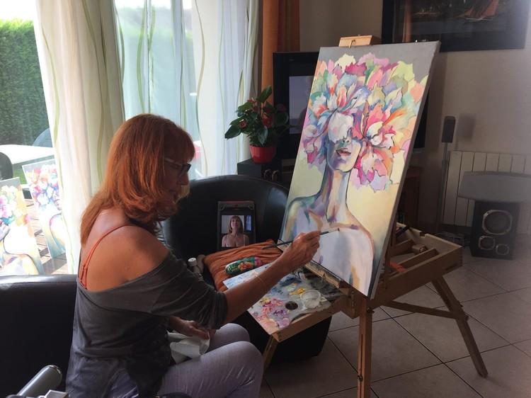 После замужества Лариса вновь занялась живописью