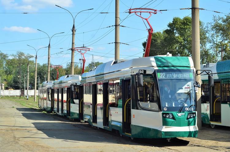 Десять новых трамваев производства УКВЗ уже в работе. До конца года поступит еще двадцать. height=100% width=100%