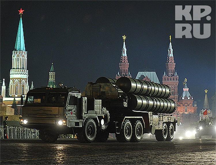 Зенитному ракетному комплексу С-400 нет равных в мире по боевым качествам. А его наследник С-500 будет еще сильнее...